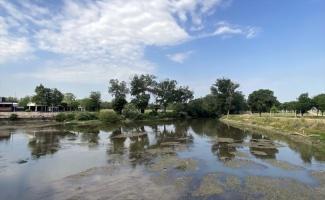 Tunca Nehri'nde su seviyesi yer yer 30 santimetreye kadar düştü