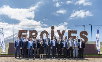AK Partili başkanlardan Kayseri'ye tam not