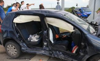 Babaeski ilçesinde iki otomobil çarpıştı: 6 yaralı