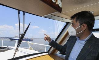 Bakan Kurum ODTÜ araştırma gemisi Bilim-2'deki müsilajla mücadele çalışmalarını inceledi: (2)