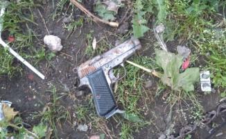 Bursa'da boş arsada bulunan tabancanın ateş alması sonucu bir çocuk yaralandı