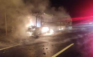 Bursa'da seyir halindeki yolcu otobüsü yandı