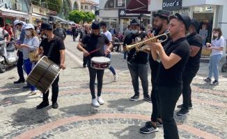 Edirne'deki Lavanta Günleri'ne 9/8'lik ritimler ve danslar eşliğinde davet