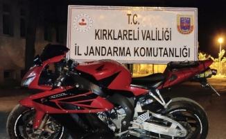Kırklareli'nde 210 bin liralık motosikleti plakalarını değiştirip yurda sokan şüpheli yakalandı