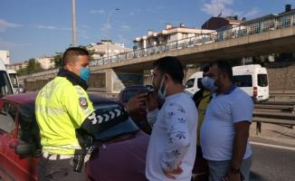 Gebze'de 4 aracın karıştığı zincirleme trafik kazasında iki kişi yaralandı