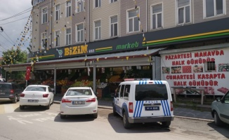 Gebze'de marketin önündeki dondurucunun motorunu çaldılar