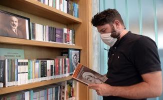 Bursa Osmangazi kütüphanelerine anlamlı köşe