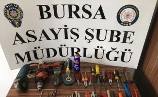 Bursa'da silah imal ederken yaralandığı iddia edilen şüphelinin evinde çok sayıda tabanca bulundu