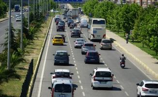 Edremit Körfezi'nde trafik yoğunluğu yaşanıyor