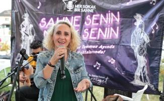 İzmit Gülümse Kafe'de yüzler yerel müzisyenlerle gülümsedi