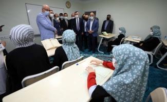 Kocaeli Büyükşehir Belediye Başkanı Büyükakın'dan Kur'an Kursu ziyareti