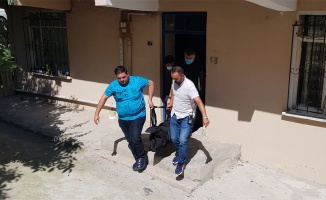 Kocaeli'de genç kız evinde ölü bulundu