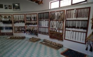 Tahtakuşlar Etnografya Müzesi'nde takı sergisi açıldı