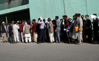 Afganistan'da yüz binlerce kişi Türk vizesine başvurdu