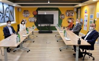 Ali Özkan'dan Nestle'ye ziyaret