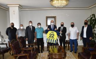 Edirne Fenerbahçeliler Derneği'nden Vali Canalp ve Belediye Başkanı Gürkan'a ziyaret