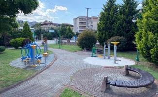 İzmit'in parklarında bakım onarımlar sürüyor