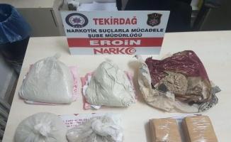 Tekirdağ'da 4 kilogram eroin ile 11 ruhsatsız silah ele geçirildi