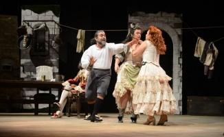 Uluslararası Bursa Festivali'nde tiyatro dolu akşam