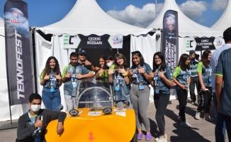 Lise öğrencilerinin geliştirdiği elektrikli araçlar yarış pistinin