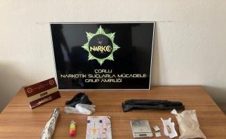 Tekirdağ'da üzerinde uyuşturucuyla yakalanan 3 kişi gözaltına alındı