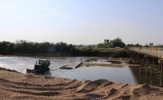 Tunca Nehri'nde taşkın önlemleri kapsamında yatak genişliği ve taban kumu temizleme çalışması başlatıldı