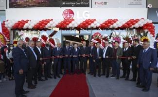 Ankara'daki 12'nci LG mağazası, ATO Başkanı Baran'ın katılımıyla açıldı