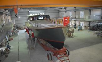 Ayvalık'ta Denizcilik Lisesi atölyesinin ilk eseri