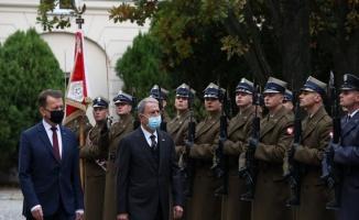 Bakan Akar, Polonya'daki mevkidaşıyla görüştü