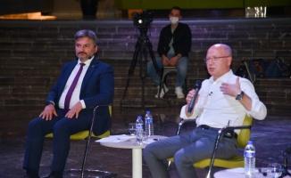 Bursa'da AK Parti gençlerle sosyal medyayı konuştu