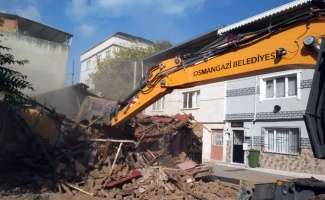 Bursa Osmangazi'de metruk yıkımlar