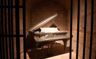 Bursa Zindankapı'da 'Zamansızlık Şarkısı'