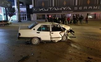Bursa'da 2 otomobilin çarpıştığı kazada 1 kişi yaralandı