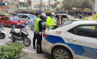 Bursa'da kask takmayan motosiklet sürücülerine ceza kesildi