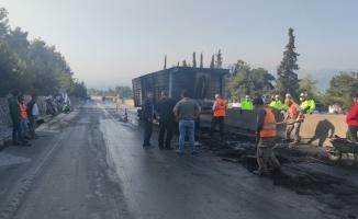 Bursa'da seyir halindeki tıra arkadan çarpan tır yandı