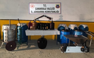 Çanakkale'de bağ evinde bin 355 litre sahte içki ele geçirildi