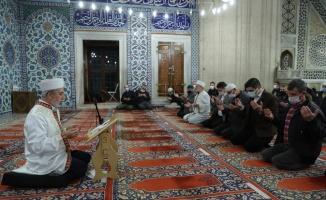 Edirne'de Mevlit Kandili camilerde dualarla idrak edildi