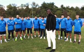 Fenerbahçe'nin eski futbolcusu Moussa Sow, Babaeskispor'a ikinci başkan oldu