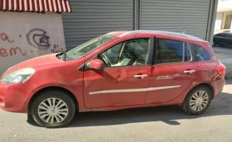 Gebze'de otomobille çarpışan motosikletin sürücüsü yaralandı
