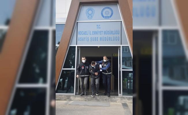 GÜNCELLEME - Kocaeli'de otomobille uygulamadan kaçarken sürüklediği polisi yaralayan sürücü tutuklandı