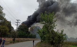Kocaeli'de raf fabrikasında çıkan yangın söndürüldü