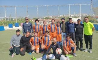 İzmir ÇAGÖR, şampiyonluk için mücadele ediyor