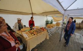 İzmir Efes Selçuk'ta kadın üreticiler bir araya geldi