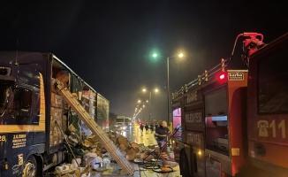 Kapıkule Sınır Kapısı yolundaki tır yangını nedeniyle trafik aksadı