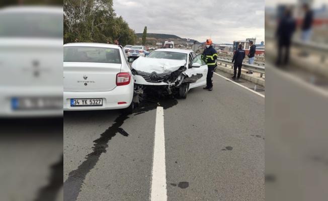 Keşan'da trafik kazasında 2 kişi yaralandı