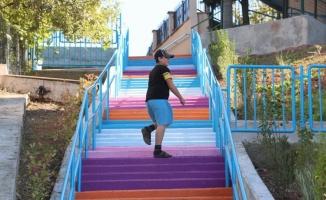 Kocaeli İzmit'te merdivenlere renk geldi