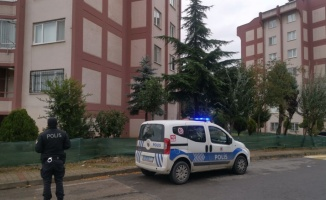 Çayırova'da evde çıkan yangında dumandan etkilenen kişi tedavi altına alındı
