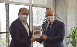 Manisa Büyükşehir'e MHP MYK üyesi Şekerci'den ziyaret