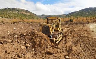 Manisa'da Selendi Çortak göleti üretici için temizlendi