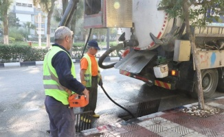 Manisa Yunusemre'de yağmur suyu ızgaları temizlendi